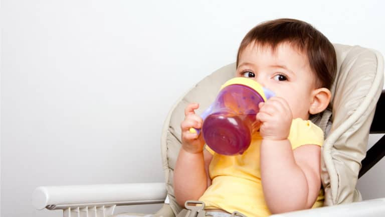 Can You Put Formula in a Sippy Cup?